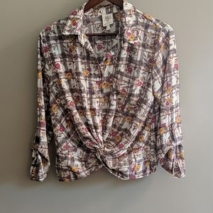 Adorable blouse with vintage vibes